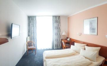 hotel-zimmer-loewe