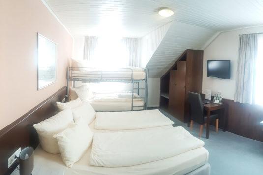hotel-loewe-mehrbettzimmer