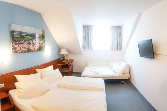 mehrbettzimmer-hotel-loewe